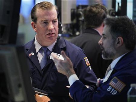 Traders work on the floor of the New York Stock Exchange January 10, 2013. REUTERS/Brendan McDermid
