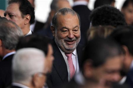 Mexican businessman Carlos Slim attends as an official guest the speech of Mexico's new President Enrique Pena Nieto at the National Palace in Mexico City December 1, 2012. REUTERS/Edgard Garrido