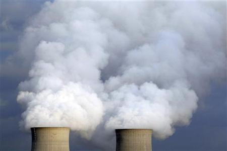 Cooling towers of France's Electricite de France (EDF) nuclear power station are seen in Saint Laurent near Orleans, Central France, December 18, 2012. REUTERS/Regis Duvignau
