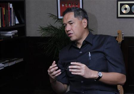 Indonesia's trade minister Gita Wirjawan speaks during an interview in Jakarta in this July 29, 2010 file photo. REUTERS/Enny Nuraheni/Files