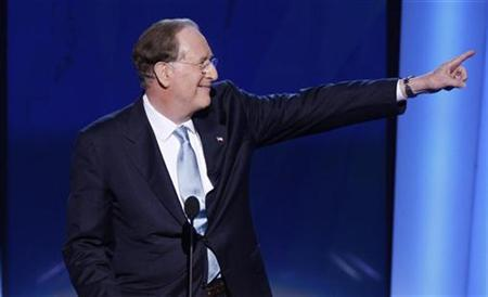 Senator Jay Rockefeller (D-WV) gestures at the podium of the 2008 Democratic National Convention in Denver, Colorado, August 27, 2008. REUTERS/Mike Segar