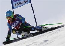 L'Américain Ted Ligety a remporté le slalom géant d'Adelboden, devant les Allemands Fritz Dopfer et Felix Neureuther. /Photo prise le 12 janvier 2013/REUTERS/Ruben Sprich