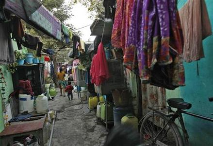 Ravidas camp, the slum where four of the six accused by police in the Delhi gang rape case, reside, is pictured in New Delhi January 10, 2013. REUTERS/Mansi Thapliyal
