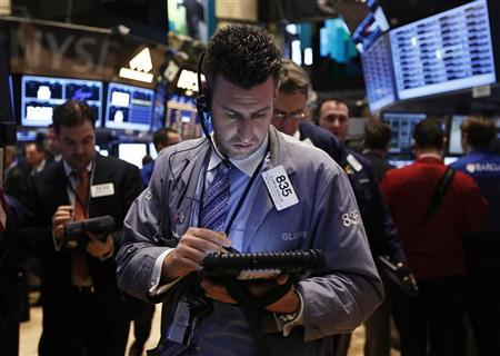 Traders work on the floor of the New York Stock Exchange, January 10, 2013. REUTERS/Brendan McDermid