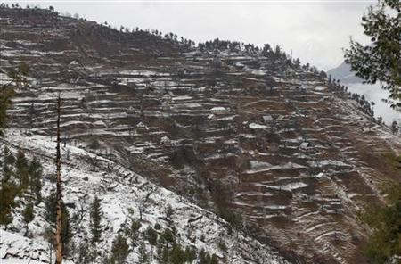 A general view of Sony village is pictured near the Line of Control (LoC), about 129 km (80 miles) northwest of Srinagar, January 12, 2013. REUTERS/Danish Ismail