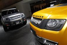 Jaguar Land Rover va annoncer la création de 800 postes à son usine de Solihull, dans le centre de l'Angleterre, pour répondre à la hausse de la demande pour ses modèles en Chine, en Russie et aux Etats-Unis, selon une source informée. /Photo d'archives/REUTERS/Alex Domanski