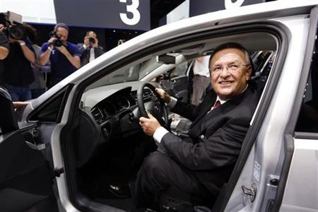 Volkswagen Chief Executive Officer Martin Winterkorn introduces the new Volkswagen Golf model in Berlin in this file photo taken September 4, 2012. REUTERS/Fabrizio Bensch