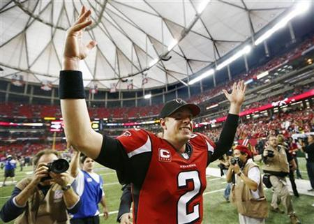 Atlanta Falcons quarterback Matt Ryan celebrates after the Falcons defeated the Seattle Seahawks in their NFL NFC Divisional playoff football game in Atlanta, Georgia January 13, 2013. REUTERS/Chris Keane