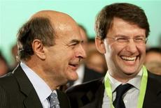 Il segretario del Pd Pier Luigi Bersani e il capogruppo del partito alla Camera Dario Franceschini in una foto del novembre 2009. REUTERS/Max Rossi