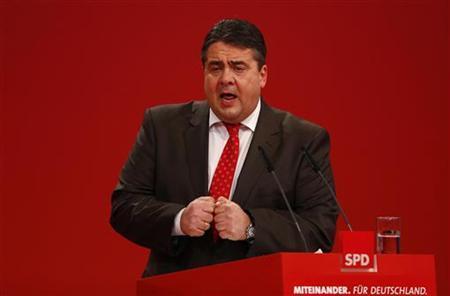 REUTERS/Kai Pfaffenbach (GERMANY - Tags: POLITICS)