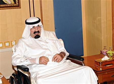 Saudi Arabia's King Abdullah meets visitors in Riyadh November 28, 2012. REUTERS/Saudi Press Agency/Handout