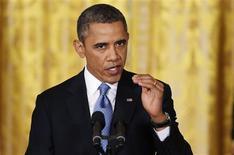 Barack Obama plaide en faveur du relèvement du plafond de la dette affirmant qu'un refus du Congrès américain en ce sens en février enrayerait la reprise économique. /Photo prise le 14 janvier 2013/REUTERS/Jonathan Ernst