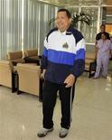 Uno nunca se imaginaría que uno de los jefes de Estado más famosos del mundo, el presidente venezolano y autoproclamado revolucionario Hugo Chávez, está batallando por su vida en el Centro de Investigaciones Clínico Quirúrgicas de La Habana. Imagen de archivo de Chávez en un hospital de La Habana tras una de las operaciones por su cáncer en marzo de 2012. REUTERS/Palacio de Miraflores /Handout