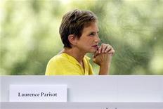 Laurence Parisot a confirmé mardi avoir demandé d'examiner la possibilité de changer les statuts du Medef, ce qui lui permettrait éventuellement de conserver la présidence de l'organisation patronale. /Photo prise le 29 août 2012/REUTERS/Charles Platiau