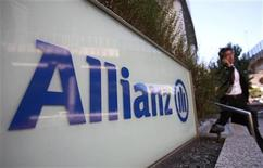 A logo of Europe's biggest insurer Allianz is pictured in Tokyo October 19, 2012. German insurer Allianz aims to double premiums earned in Japan at a key unit to nearly $160 million over the next three to five years, banking on big Japanese trading and resource companies insuring their foreign exposures as they increasingly venture overseas. REUTERS/Yuriko Nakao (JAPAN - Tags: BUSINESS ENERGY EMPLOYMENT LOGO)