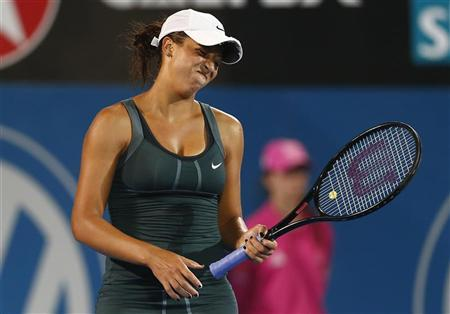 Madison Keys of the U.S. reacts after missing a point against Li Na of China during their women's singles match at the Sydney International tennis tournament January 9, 2013. REUTERS/Daniel Munoz
