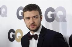 """Cantor Justin Timberlake vai à festa """"Homem do Ano"""" da revista GQ, em Los Angeles, em novembro de 2011. O astro pop Justin Timberlake trouxe de volta sua reconhecida voz sexy em sua primeira canção nova em cinco anos, recebendo uma calorosa recepção de fãs e críticos em seu tão esperado retorno à música. 17/11/2011 REUTERS/Phil McCarten"""