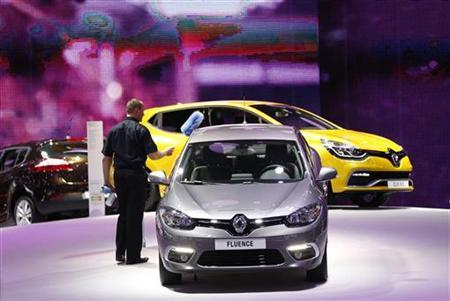 Renault aims to cut 7,500 posts in France by 2016