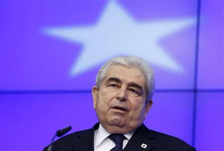 Cyprus' President Demetris Christofias addresses a news conference after a European Union leaders summit in Brussels December 14, 2012. REUTERS/Francois Lenoir