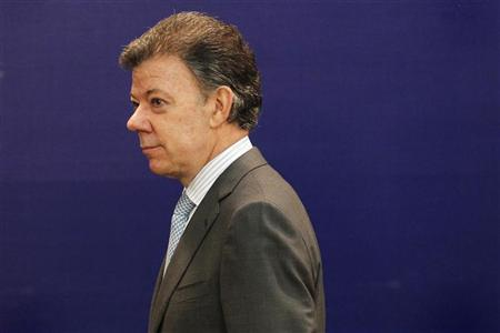 Colombia's President Juan Manuel Santos arrives at the summit of the Union of South American Nations (UNASUR) in Lima, November 30, 2012. REUTERS/Enrique Castro-Mendivil