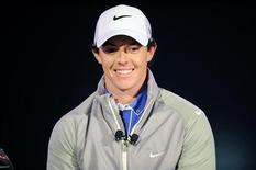 El golfista irlandés Paul McGinley fue nombrado capitán del equipo europeo de la Ryder Cup para la competición bianual contra Estados Unidos que se disputará el próximo año, dijo el martes el Comité de Jugadores. En la imagen, McIlroy sonríe en la presentación de su nombramiento como nuevo embajador de Nike en Abu Dabi. REUTERS/Ben Job