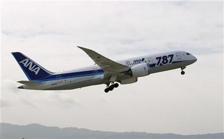 An All Nippon Airways Boeing 787 Dreamliner takes off at San Jose International Airport for Tokyo in San Jose, California January 11, 2013. REUTERS/Robert Galbraith (UNITED STATES - Tags: BUSINESS TRANSPORT)