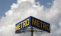 Le distributeur allemand Metro a annoncé mercredi un chiffre d'affaires en hausse de 0,5% au titre du quatrième trimestre et la fermeture de sa chaîne de magasins d'électronique grand public en Chine, où le marché s'est révélé plus difficile qu'attendu. /Photo d'archives/REUTERS/Fabrizio Bensch