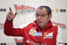 El español Pedro Martínez de la Rosa ha fichado por Ferrari como piloto probador para la temporada 2013, dijo el equipo italiano de Fórmula Uno el miércoles. En la imagen, de 16 de enero, el director de Ferrari Stefano Domenicali en rueda de prensa. REUTERS/Max Rossi