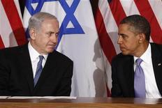 Presidente norte-americano, Barack Obama (D), reúne-se com premiê israelense, Benjamin Netanyahu, nas Nações Unidas, em Nova York, em setembro de 2011. As tensas relações entre Benjamin Netanyahu e Barack Obama chegaram à campanha eleitoral de Israel nesta quarta-feira, após o presidente dos EUA ter supostamente criticando o primeiro-ministro israelense. 21/09/2011 REUTERS/Kevin Lamarque