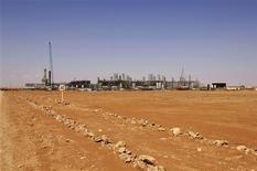 Integristas islámicos atacaron el miércoles un yacimiento de gas en el sur de Argelia, afirmando que habían secuestrado a 41 extranjeros entre los que habría siete estadounidenses, en un asalto al amanecer en represalia por la intervención francesa en Malo, según medios regionales. En la imagen, una foto general tomada en una fecha desconocida de las intalaciones de gas de Amenas facilitada por la empresa noruega de petróleo Statoil, el 16 de enero de 2013. REUTERS/Kjetil Alsvik / Statoil/Handout