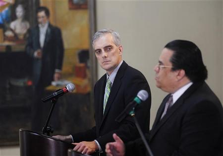 U.S. Deputy National Security Advisor Denis Mcdonough (L) listens to Honduras' Foreign Minister Arturo Corrales during a joint news conference in Tegucigalpa November 28, 2012. Macdonough is in Honduras on an official visit. REUTERS/Jorge Cabrera