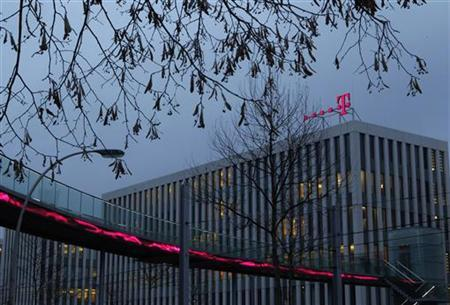 The logo of Deutsche Telekom AG is seen at their headquarters in Bonn December 5, 2012. REUTERS/Ina Fassbender (GERMANY - Tags: BUSINESS TELECOMS)