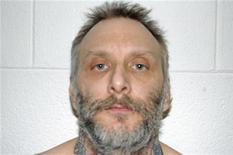 Un hombre que admitió estrangular a dos compañeros de prisión y amenazó con seguir matando hasta que se le aplicase la pena de muerte fue ejecutado el miércoles en Virginia, la primera vez que el estado estadounidense ha utilizado la silla eléctrica en casi tres años. En la imagen, una foto de archivo de Robert Gleason Jr de marzo de 2011, facilitada por el Departamento Penitenciario de Virgnia el 15 de enero de 2013. REUTERS/Virginia Dept of Corrections