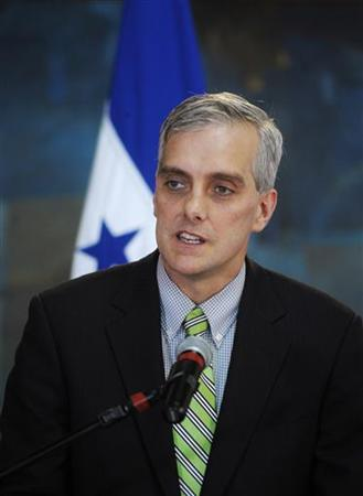 U.S. Deputy National Security Advisor Denis Mcdonough addresses the media in Tegucigalpa November 28, 2012. REUTERS/Jorge Cabrera (HONDURAS - Tags: POLITICS)