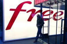 L'association de consommateurs UFC-Que Choisir a déposé une plainte contre Free pour pratique commerciale trompeuse, après avoir constaté d'importants dysfonctionnements du service 3G de l'opérateur mobile. /Photo prise le 12 décembre 2012/REUTERS/Charles Platiau