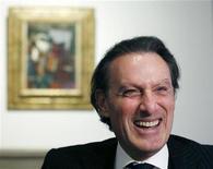 Steven Murphy, primeiro norte-americano a chefiar a casa de leilões Christie's, é entrevistado em seu escritório em Londres. Quando o público para e presta atenção ao mercado da arte, é geralmente porque algum colecionador anônimo pagou uma quantia astronômica por alguma pintura ou escultura célebre. 16/01/2013 REUTERS/Olivia Harris