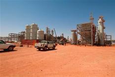 Seis rehenes extranjeros y ocho de sus captores murieron en un ataque militar de Argelia a un vehículo que estaban utilizando los secuestradores que incursionaron en una planta de gas en el desierto de ese país, dijo una fuente local a Reuters. En esta imagen, una foto de archivo del campo gasífero en Amines, Aregelia, proporcionada por Scanpix el 19 de abril de 2005. REUTERS/Kjetil Alsvik/Statoil via Scanpix ESTA IMAGEN HA SIDO PROPORCIONADA POR UN TERCERO. REUTERS LA DISTRIBUYE, EXACTAMENTE COMO LA RECIBIÓ, COMO UN SERVICIO A SUS CLIENTES. SÓLO PARA USO EDITORIAL, NI VENTAS NI ARCHIVOS NI PARA SU VENTA PARA CAMPAÑAS DE MARKETING O PUBLICIDAD.