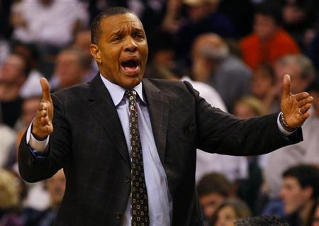 Phoenix Suns head coach Alvin Gentry directs his team against the Boston Celtics in the second quarter of their NBA basketball game in Boston, Massachusetts January 20, 2012. REUTERS/Adam Hunger