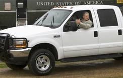 بيع شاحنة صغيرة لبوش الابن في مزاد بمبلغ 300 الف دولار