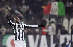 Le jeune milieu de terrain français Paul Pogba, pas encore 20 ans, a largement participé samedi à la victoire de la Juventus Turin à domicile en Serie A face à l'Udinese (4-0), en inscrivant deux superbes buts depuis l'extérieur de la surface de réparation. /Photo prise le 19 janvier 2013/REUTERS/Giorgio Perottino