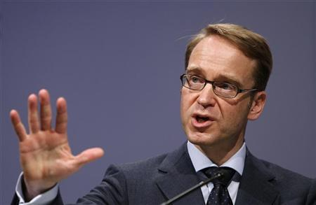 President of German Bundesbank Jens Weidmann speaks on the podium during the Frankfurt Euro Finance Week in Frankfurt November 19, 2012. REUTERS/Lisi Niesner