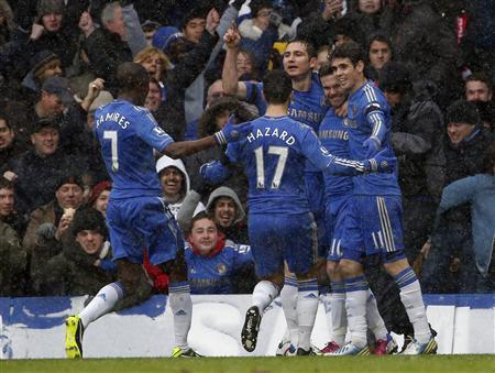 Soccer: Chelsea hang on to beat Arsenal