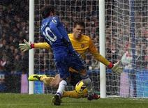 Chelsea bateu Arsenal por 2 X 1 neste domingo com gols de Juan Mata e Frank Lampard pelo Campeonato Inglês. 20/01/2013 REUTERS/Eddie Keogh