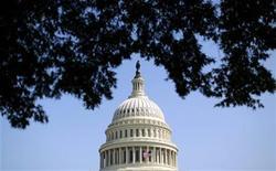 Foto de archivo del domo del Capitolio estadounidense en Washington, sep 25 2012. Los líderes republicanos de la Cámara de Representantes de Estados Unidos programaron una votación para el miércoles sobre una extensión de casi cuatro meses a la capacidad de endeudamiento del país, pero la propuesta no especifica una cifra. REUTERS/Kevin Lamarque