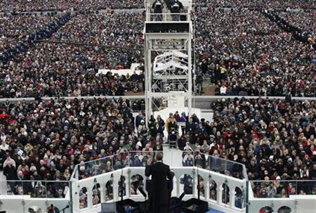 U.S. President Barack Obama (C) delivers his inaugural address during inauguration ceremonies in Washington, January 21, 2013. REUTERS/Rick Wilking (UNITED STATES - Tags: POLITICS)