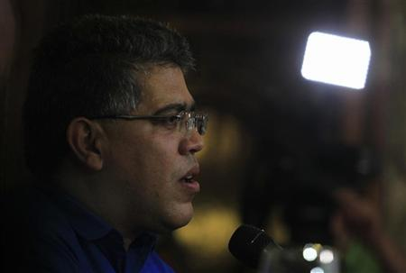 Venezuela's Foreign Minister Elias Jaua speaks during a meeting with his Cuban counterpart Bruno Rodriguez at Cuba's foreign ministry in Havana January 21, 2013. REUTERS/Enrique De La Osa