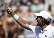 Jérémy Chardy, 36e mondial, s'attaquera mercredi sur la Rod Laver Arena au Britannique Andy Murray (n°3), vainqueur du dernier US Open, en quart de finale de l'Open d'Australie. /Photo prise le 21 janvier 2013/REUTERS/Damir Sagolj