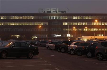 General view of the Opel plant of Bochum early morning October 24, 2012. REUTERS/Ina Fassbender (GERMANY - Tags: TRANSPORT BUSINESS EMPLOYMENT)
