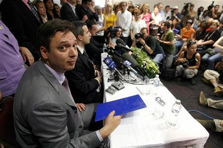 Serbian Radical Party secretary general Aleksandar Vucic gives a statement during press conference in Belgrade May 15, 2008. REUTERS/Djordje Kojadinovic