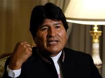 Bolivia's President Evo Morales speaks during an interview with journalists at the presidential residence in La Paz January 13, 2013. Picture taken January 13. REUTERS/David Mercado (BOLIVIA - Tags: POLITICS)